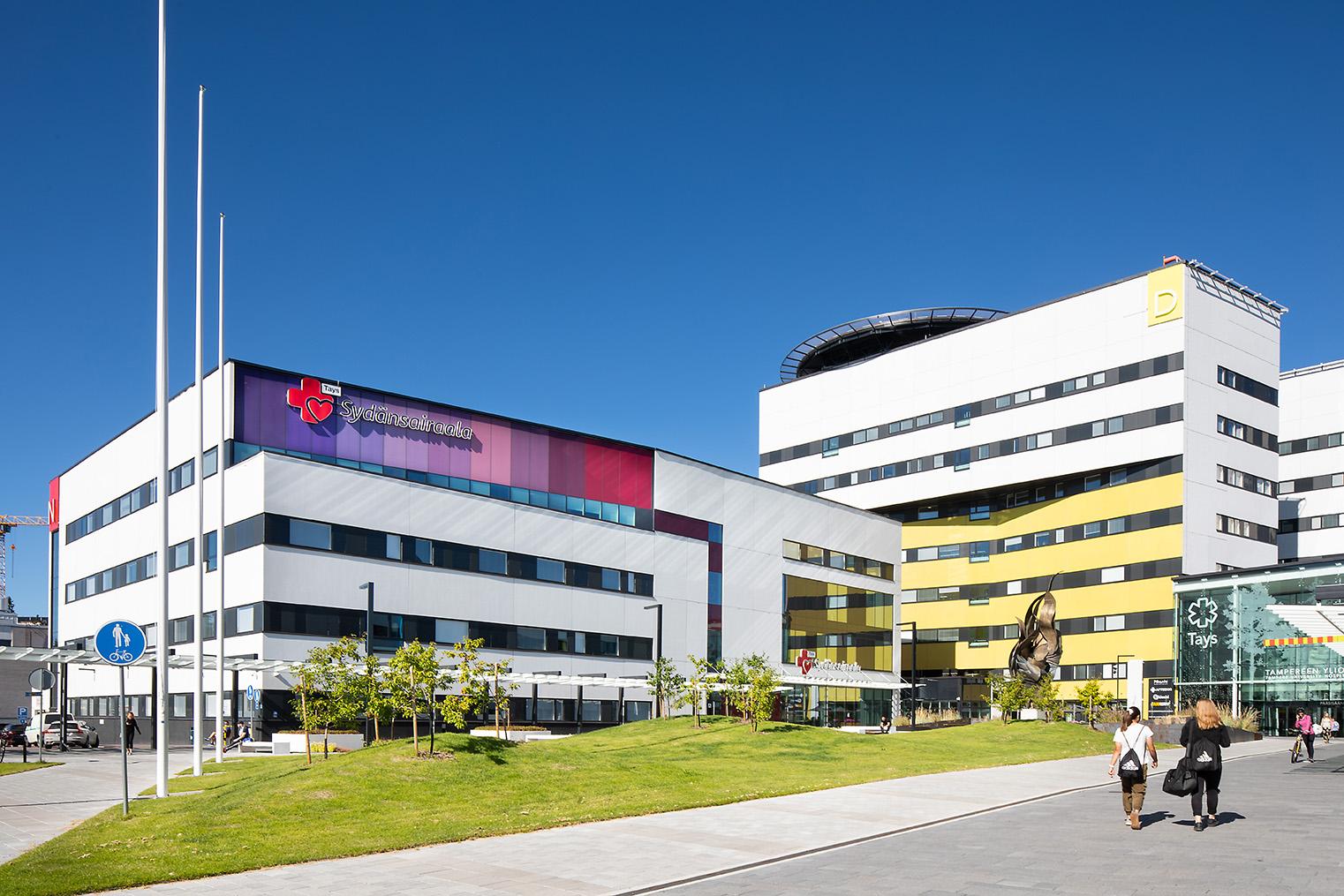 Sydänsairaalan rakennus Taysin alueella.
