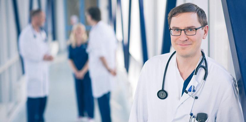 Lääkäreitä käytävällä