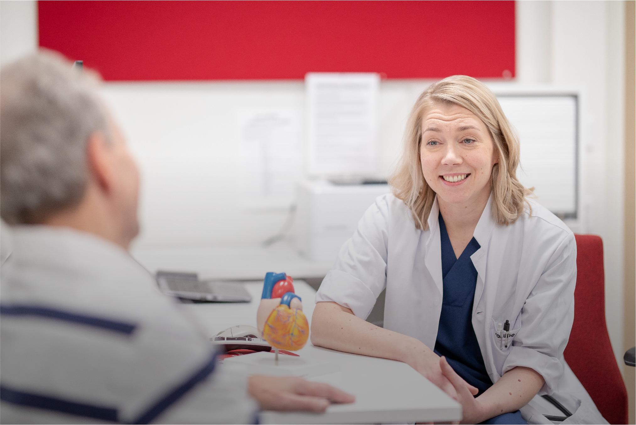 Potilas lääkärin vastaanotolla